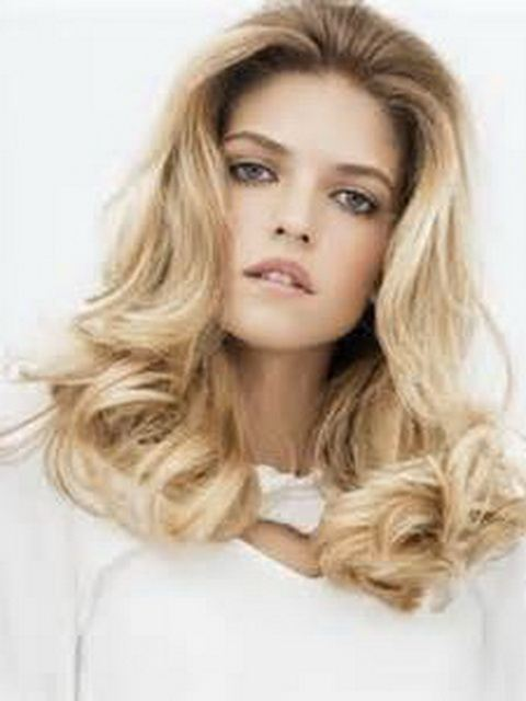 Women Hairstyles For Square Faces